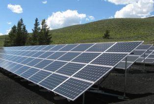 Instalación de placas solares en cubiertas de naves industriales en Cantabria