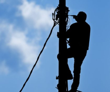 Oferta de mantenimiento de instalaciones eléctricas industriales en Cantabria